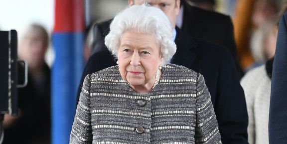 The Queen at King's Lynn railway station