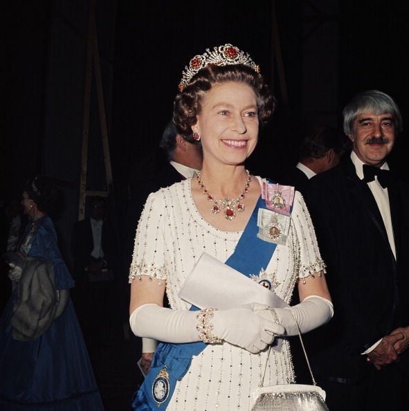 What Queen Elizabeth's Silver Jubilee Tour Looked Like in Real Life