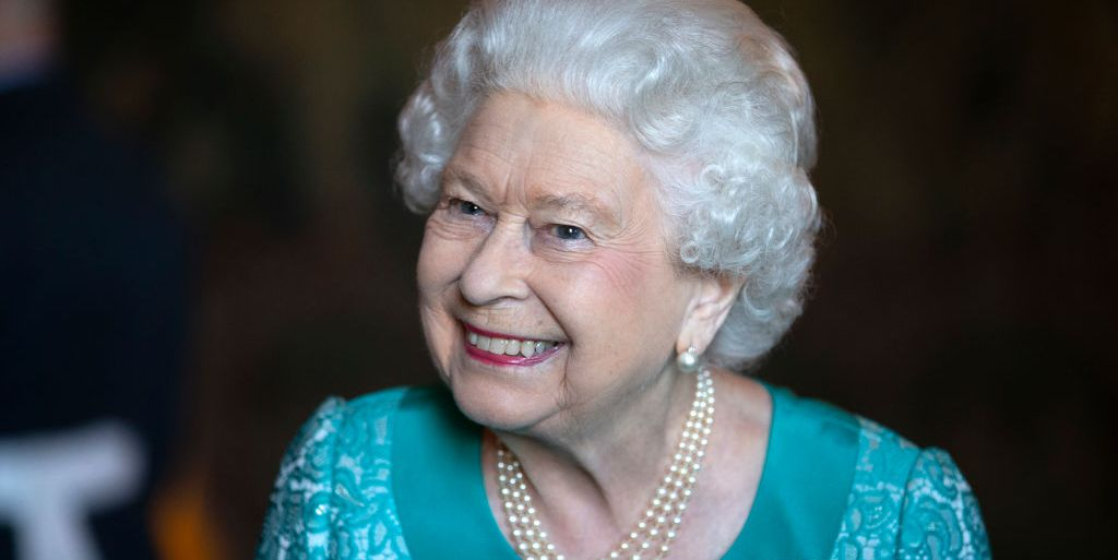 """Queen Elizabeth Responds To 7-Year-Old Boy Who Made Her A """"Happiness Crossword"""""""