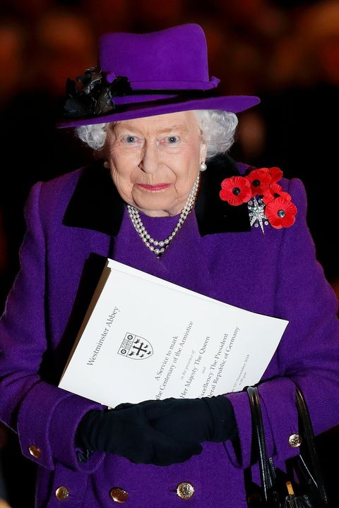 the queen attends a service at westminster abbey marking the centenary of ww1