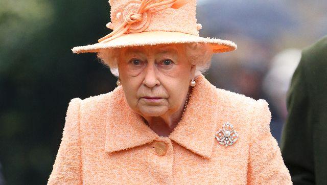 queen elizabeth attends church at wolferton