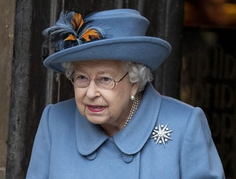 Queen Elizabeth to Video Call Other Royals While Social ...