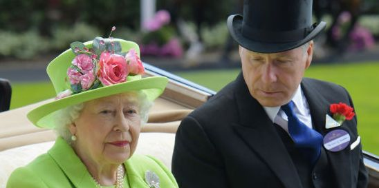 Queen Elizabeth's Nephew, the Earl of Snowdon, Announces Divorce