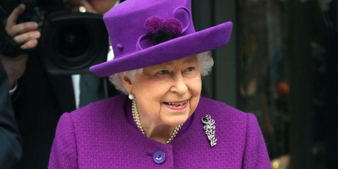 """Queen Elizabeth Commiserates with Children About Braces, Promises It's """"Worth It in the End"""""""