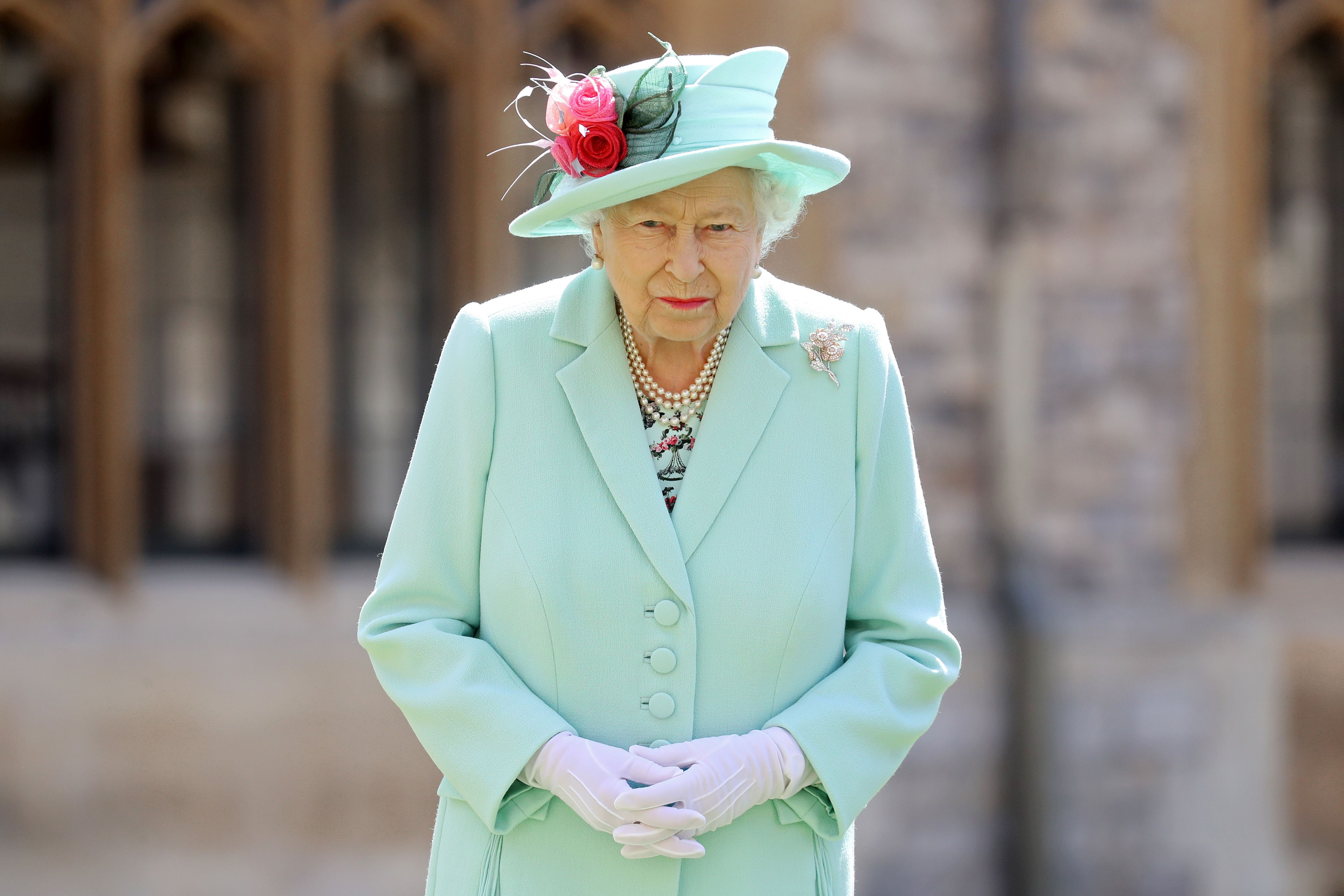 Why Queen Elizabeth Left Princess Beatrice S Wedding Early