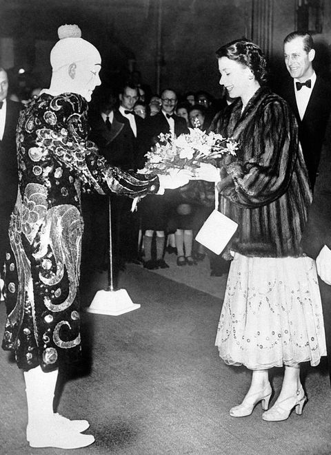 queen elizabeth ii at the circus