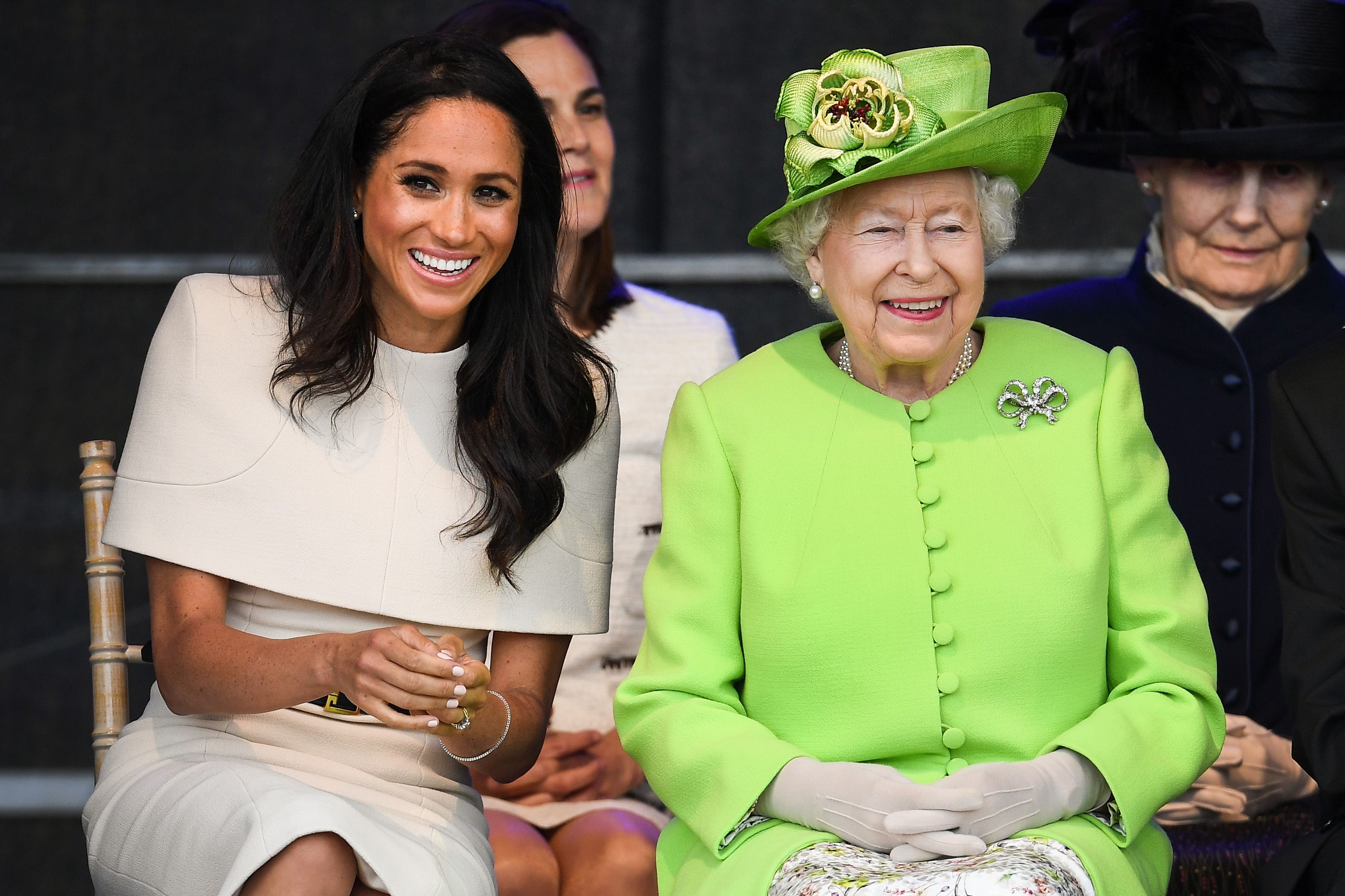 Queen Elizabeths California Wildfires Statement Pays Tribute to Meghan Markles Home State forecasting
