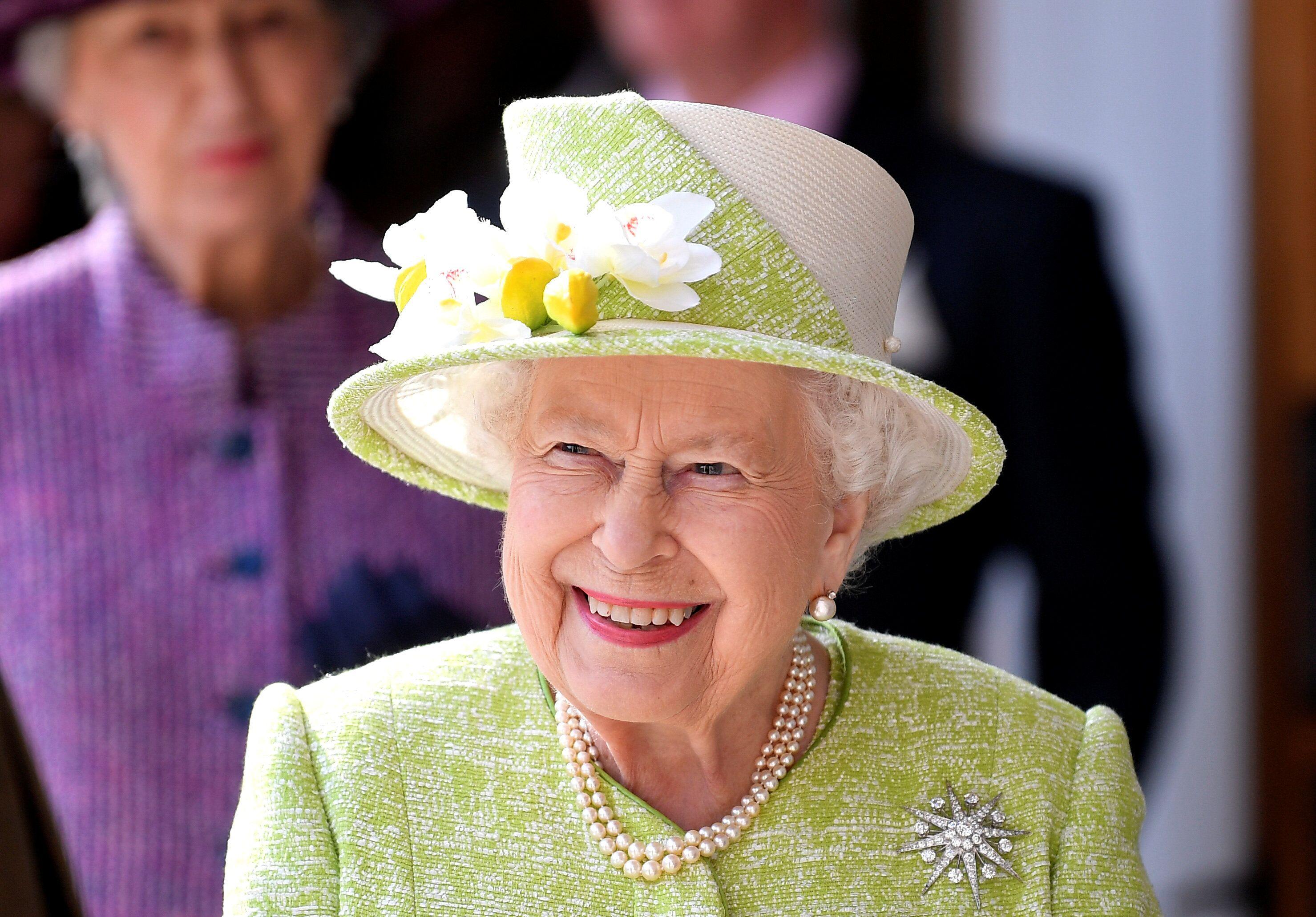 Кралицата Елизабета држи дури шест Гинисови рекорди