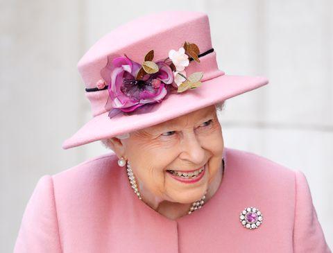 エリザベス女王 スチュワート・パーヴィン