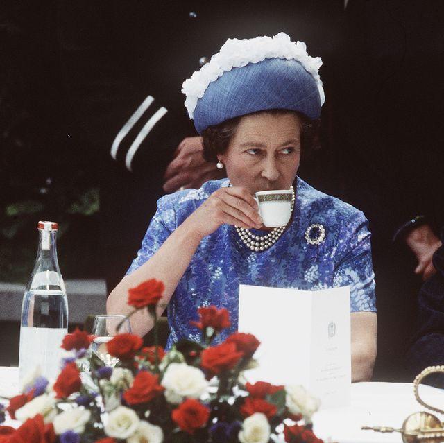 queen elizabeth ll visit to northern ireland