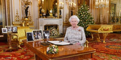 queen elizabeth s christmas message broadcast included six key royal