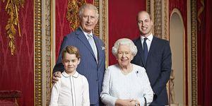 Queen Elizabeth met prins Charles, prins William en prins George door Ranald Mackechnie