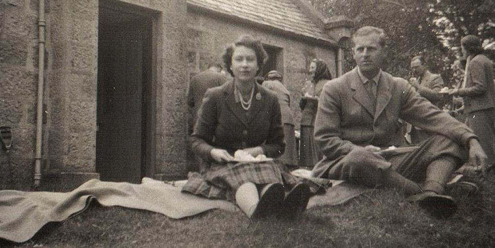Never-before-seen photographs of the royal family go up for auction
