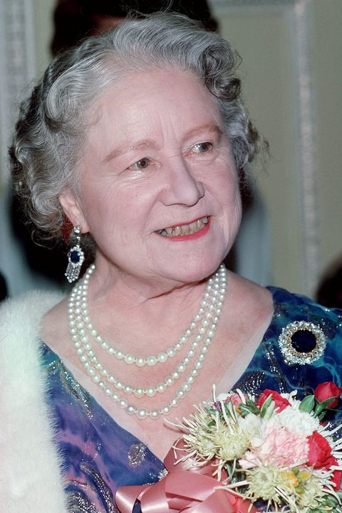the duchess of cambridge wears the queen mother's earrings
