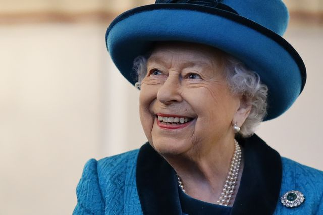 the queen visits the royal philatelic society
