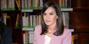 La Reina Letizia sigue con su agenda en el palacio de la Zarzuela durante la cuarentena por el coronavirus