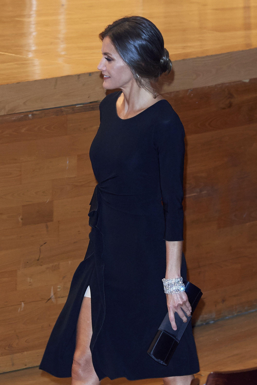 El incómodo vestido de Letizia La Reina Letizia y el
