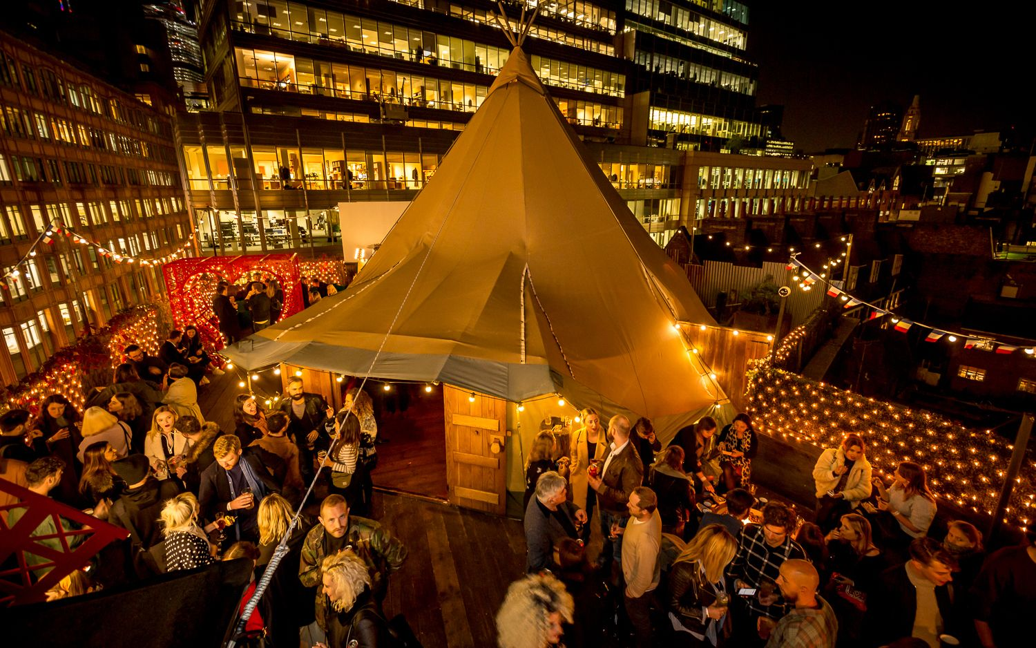Queen of Hoxton Christmasrooftop, London