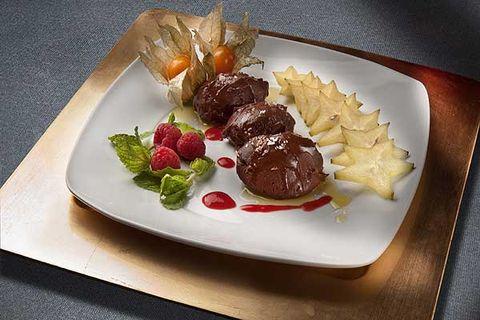 Dish, Food, Cuisine, Ingredient, À la carte food, Produce, Meat, Venison, Garnish, Rinderbraten,