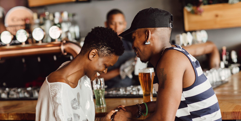 10 Fragen, die Sie beim ersten Date stellen müssen und die Ihnen sagen, ob es ein zweites geben sollte