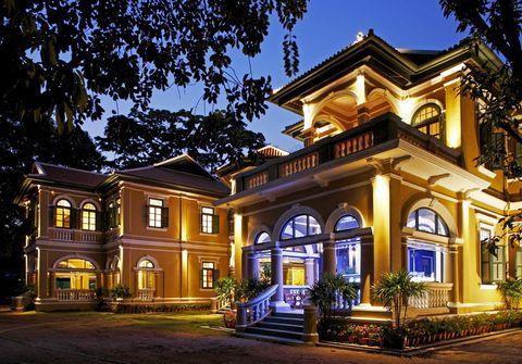 Home, Building, Property, Landmark, House, Architecture, Lighting, Real estate, Estate, Mansion,