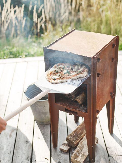 rowen  wren's outdoor pizza oven