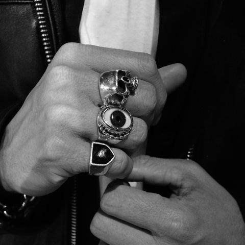 White, Hand, Black-and-white, Monochrome, Finger, Nail, Monochrome photography, Photography, Human, Wrist,