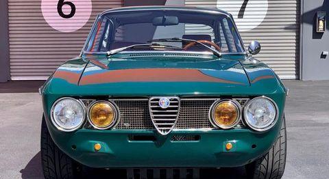 Land vehicle, Vehicle, Car, Classic car, Alfa romeo 105 series coupes, Regularity rally, Coupé, Sedan, Sports car, Alfa romeo,