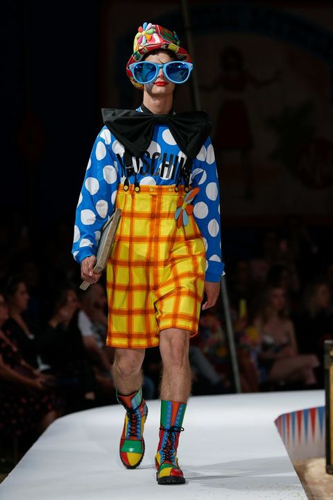 Fashion, Fashion show, Runway, Fashion design, Public event, Design, Event, Kilt, Fashion model,
