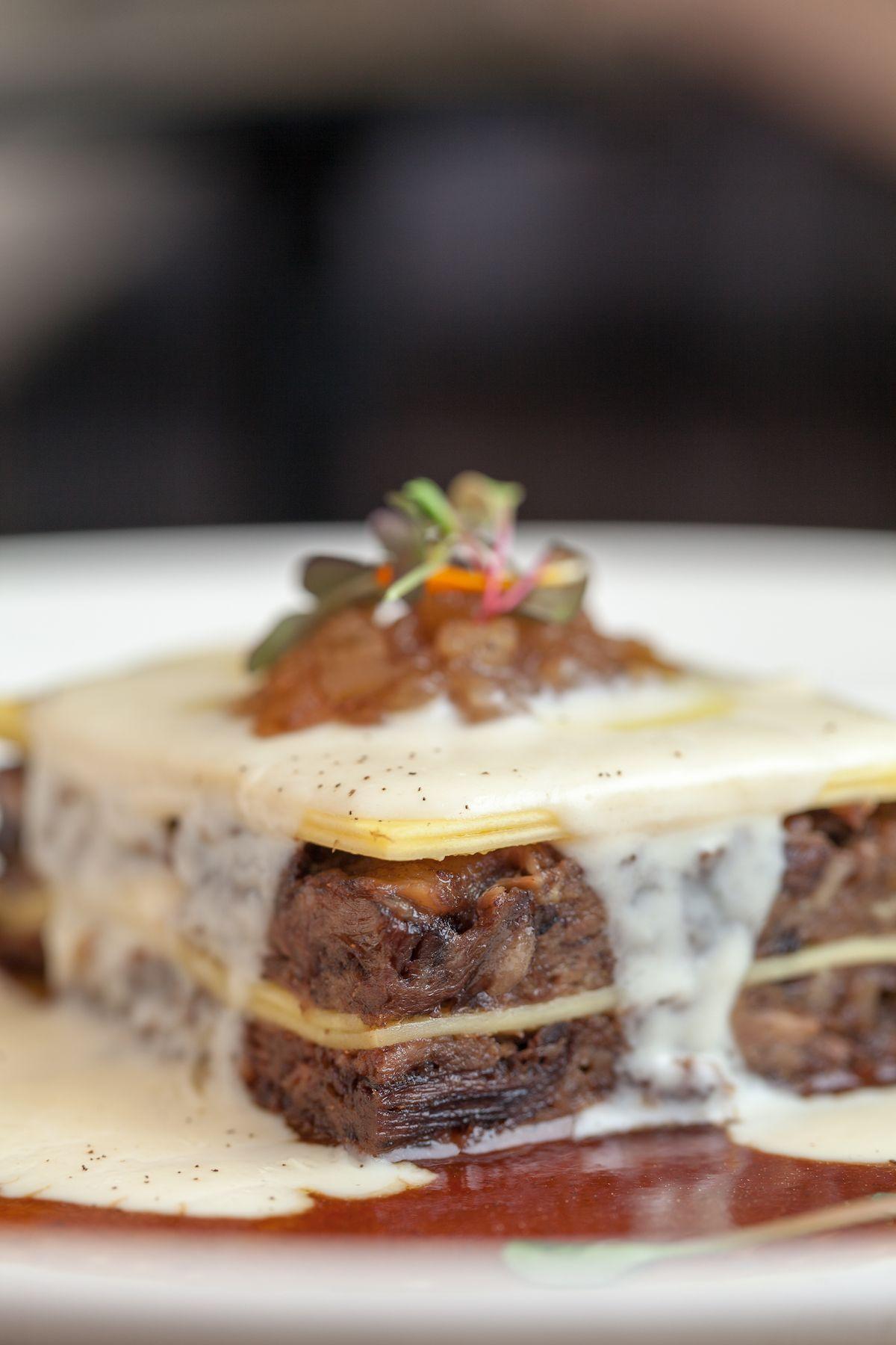 Uno de los mejores restaurantes para comer rabo de toro en Madrid por San Isidro