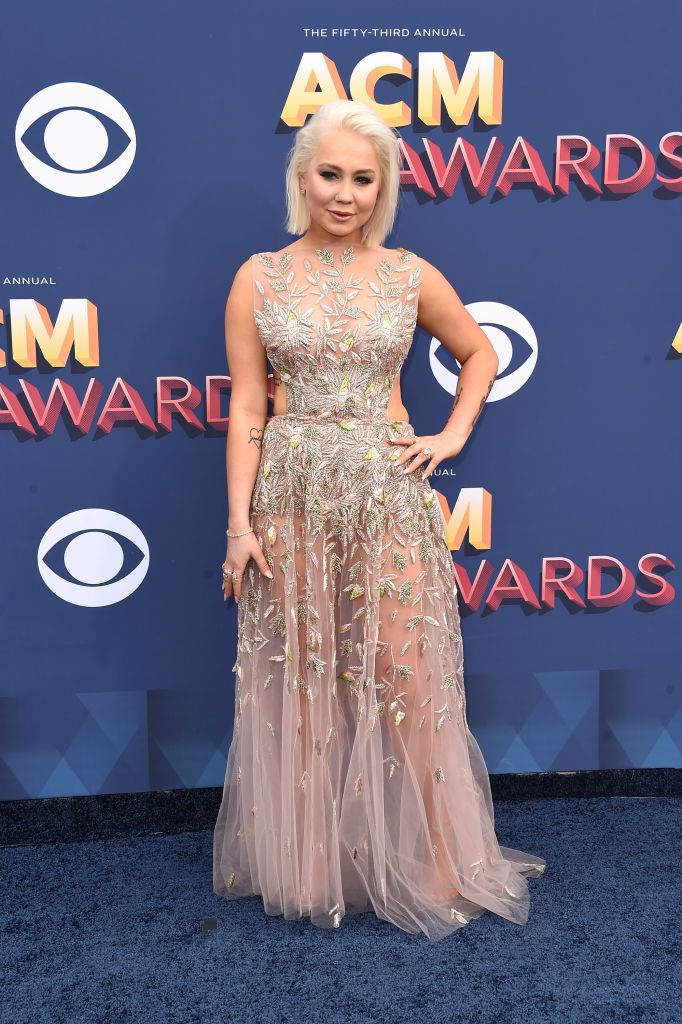The Most Scandalous Dresses On The Acm Awards Red Carpet