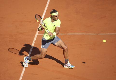 Nike Adidas Y Asics Son Las Marcas De Zapatillas Que Lucen Rafael Nadal Roger Federer O Novak Djokovic En El Roland Garros