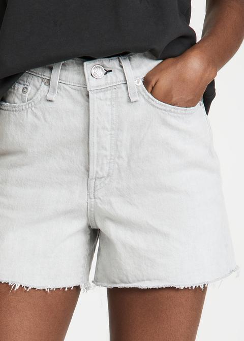 淺色丹寧短褲