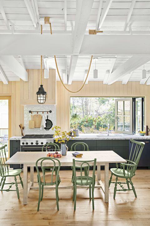 the outdoorsy type southern california cottage, homeowner raili clasen kitchen