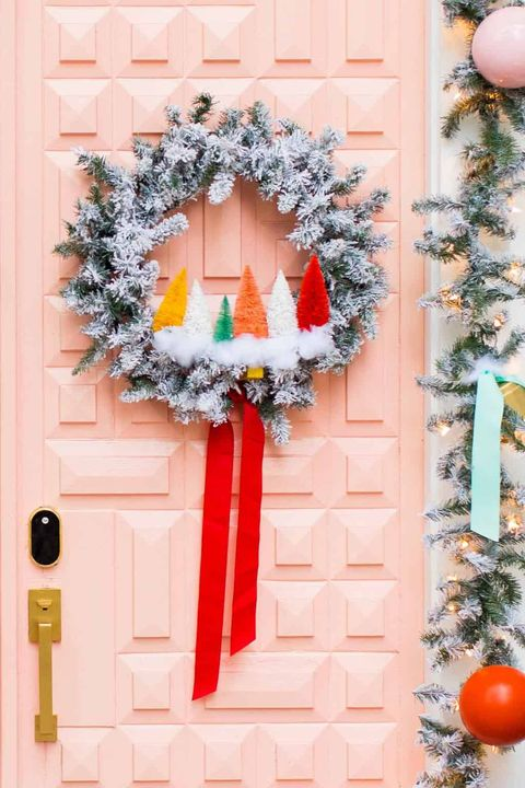 rainbow sisal trees, diy christmas wreath ideas