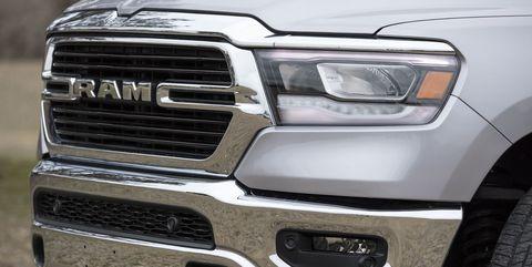 Land vehicle, Vehicle, Car, Grille, Tire, Automotive tire, Automotive exterior, Bumper, Motor vehicle, Automotive design,