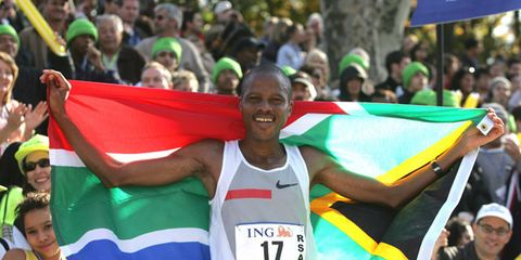 Hendrick Ramaala after winning the 2004 New York City Marathon