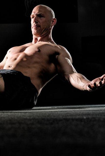 Barechested, Muscle, Arm, Chest, Physical fitness, Leg, Bodybuilding, Abdomen, Human body, Human leg,