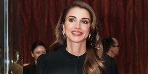 Rania de Jordania da un golpe en la mesa y se defiende de las críticas por su manera de vestir