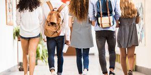 Rapporto mamme figli e scuola: come gestire le aspettative vs realtà