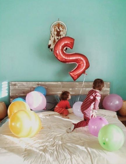 Balloon, Party supply, Pink, Room, Toy, Interior design, Play,