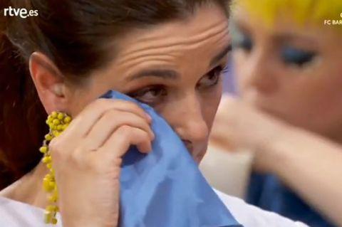 Raquel Sánchez Silva acaba emocionándose al escuchar la experiencia vital de Lara Sajén