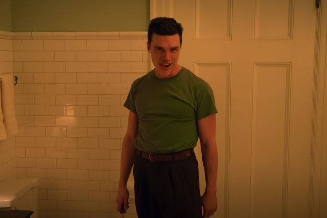 ratched l to r finn wittrock as edmund tolleson in episode 101 of ratched cr courtesy of netflix © 2020