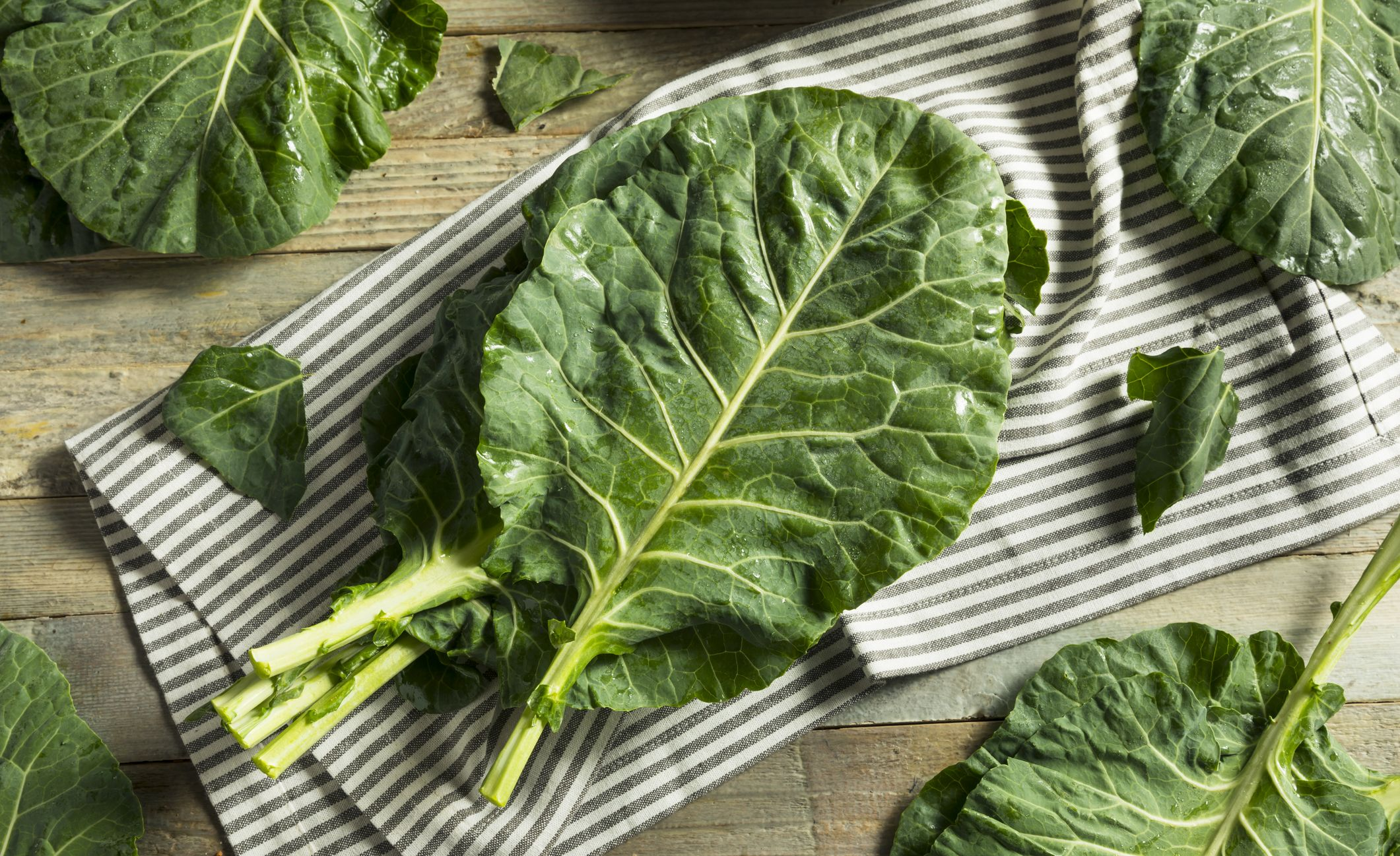 Raw Green Organic Collard Greens