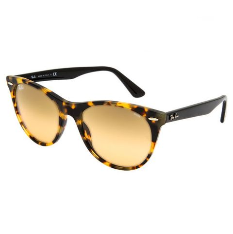 Eyewear, Sunglasses, Glasses, Personal protective equipment, Yellow, Vision care, Brown, Goggles, Transparent material, Eye glass accessory,