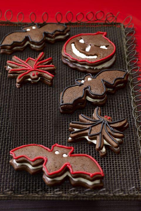 halloween gingerbread sandwich cookies