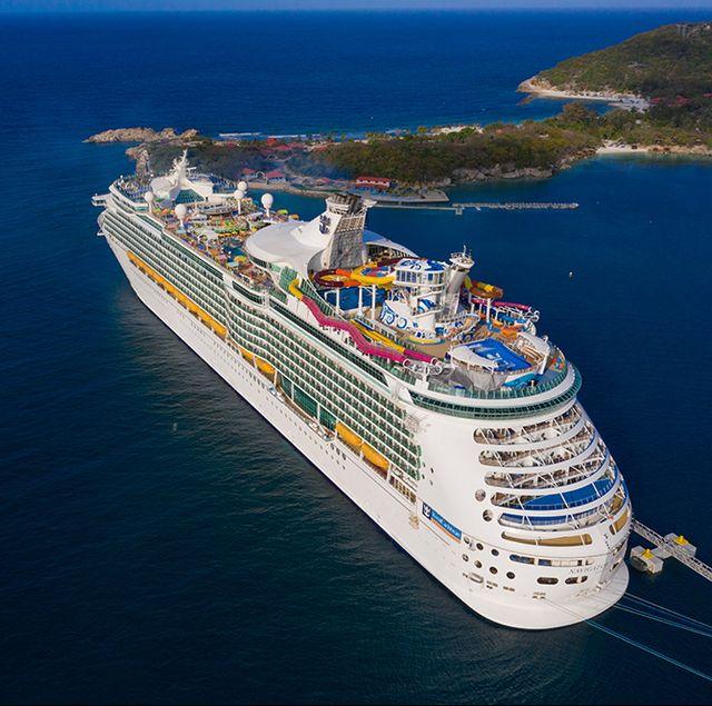 Cruise ship, Water transportation, Ship, Vehicle, Naval architecture, Passenger ship, Motor ship, Boat, Ocean liner, Watercraft,