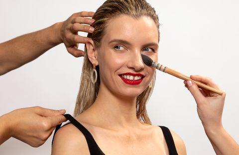 Hair, Face, Skin, Eyebrow, Cheek, Beauty, Lip, Hairstyle, Head, Nose,