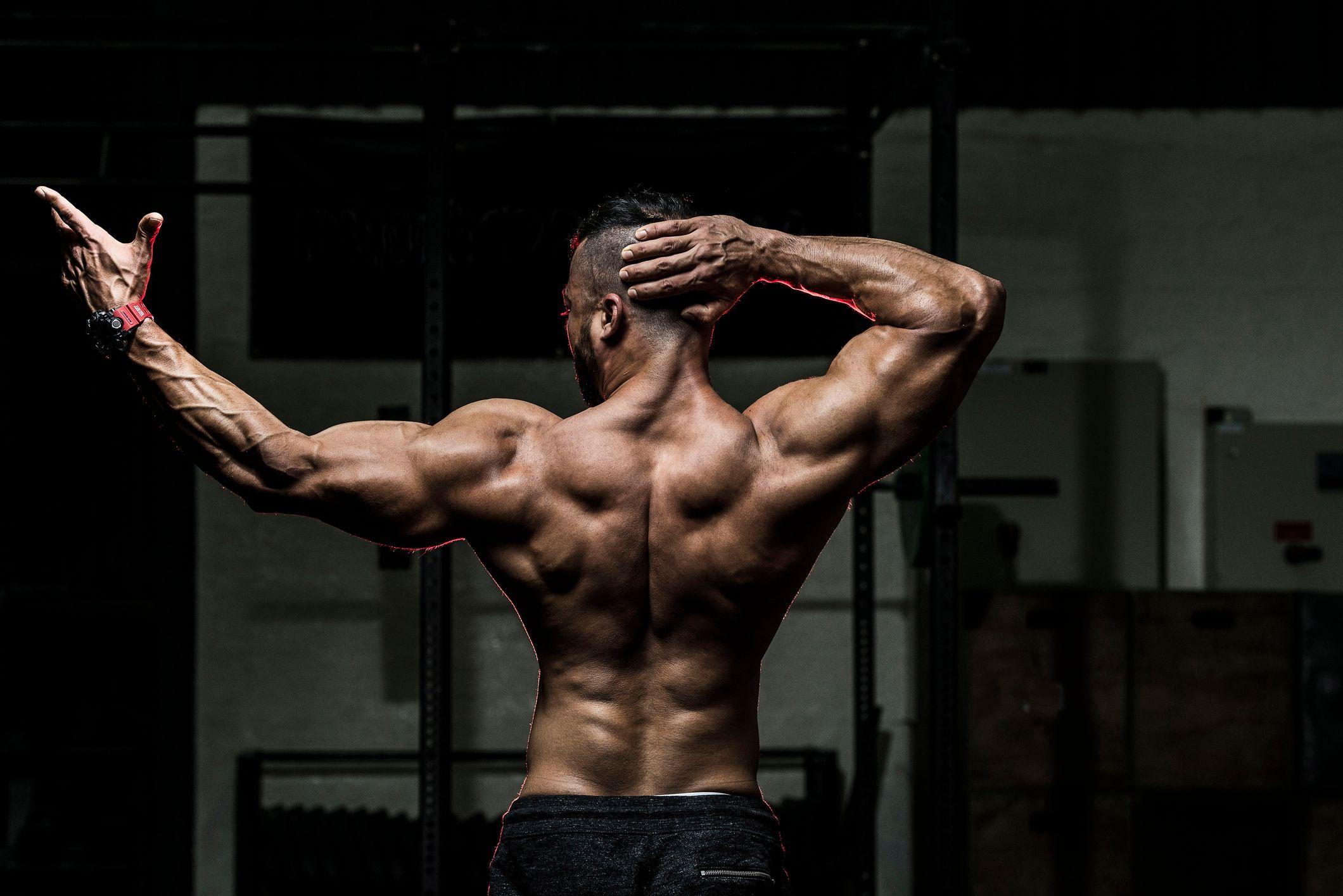 Dos ejercicios para unos bíceps más grandes y una espalda más ancha