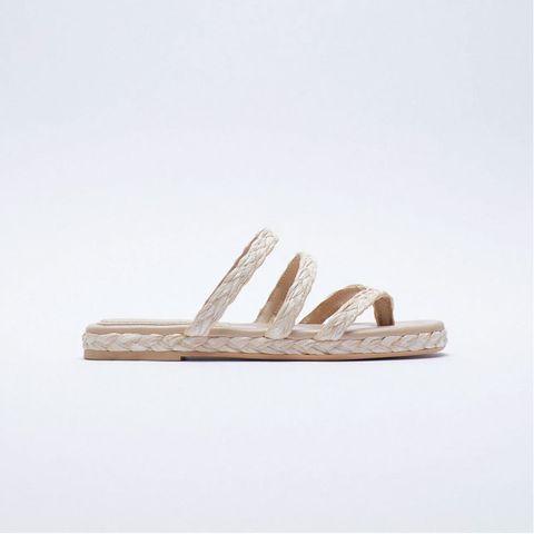 10 sandalias planas de rebajas de zara
